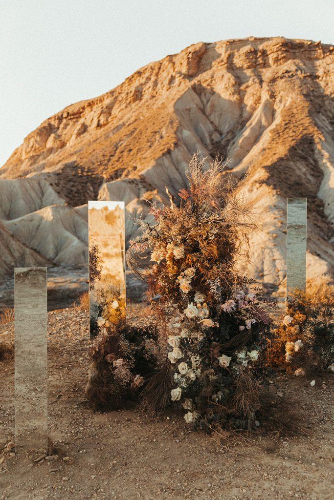 lara onac photography bodas de cuento editorial almeria desierto tabernas marta malaje wendy jose savia bruta aventura